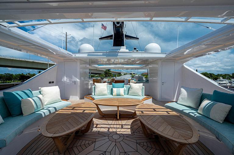 gulf craft majesty 140 price Sun Deck waterfall Jacuzzi lounge