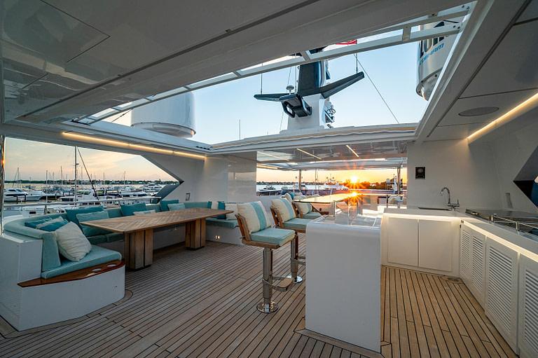 gulf craft majesty 140 price Sun Deck waterfall Jacuzzi and bar sunset