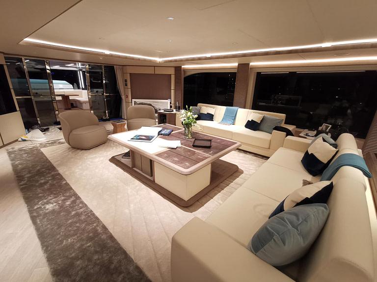 majesty-140-main-deck-4